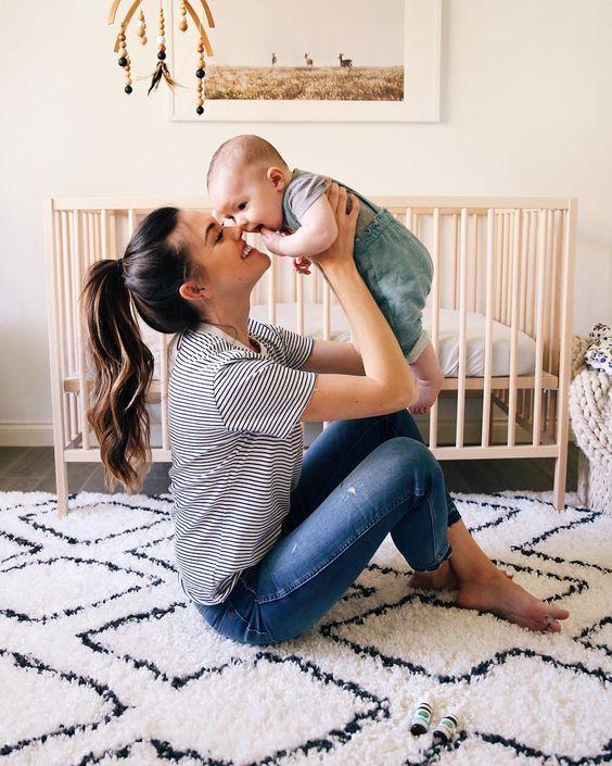 آموزش عکاسی از نوزاد در منزل - عکاسی در منزل کودک - عکاسی نوزاد - آتلیه نگاه برتر -